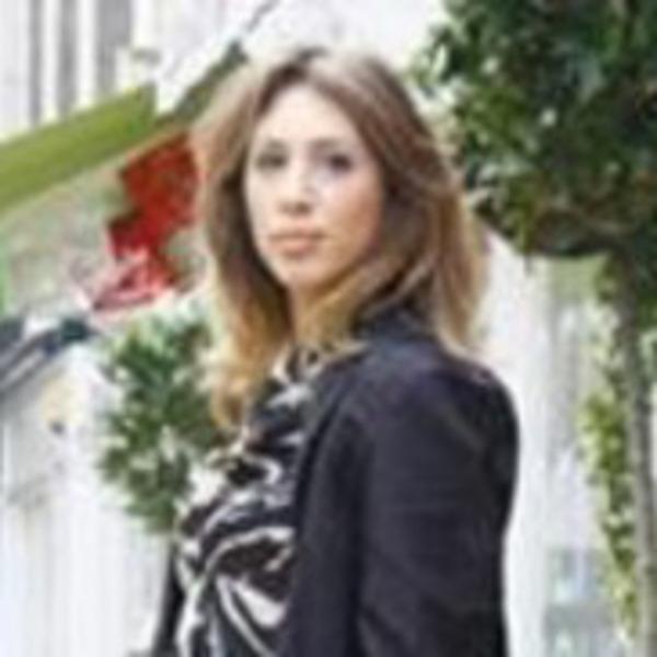 Amy_in_grazia_close_up