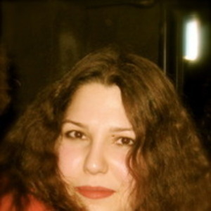 Profile_gizem_salsa_night__red_